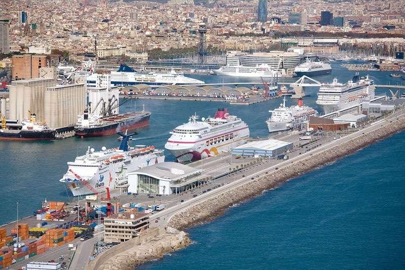 Como acceder al muelle de cruceros del puerto de Barcelona.